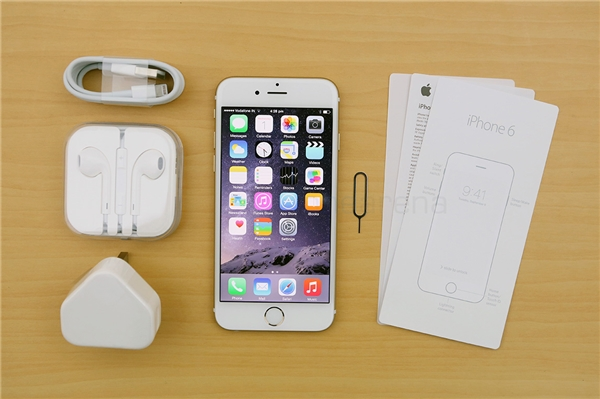 20160819 051529 apple iphone 6 unboxing first impressions 1 600x399