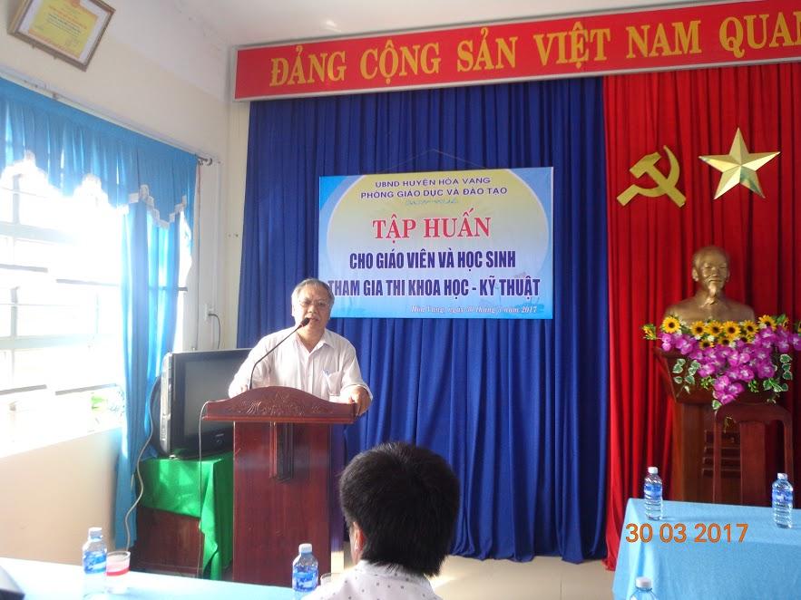 Tập huấn cho giáo viên và học sinh tham gia thi Khoa học kỹ thuật tại trường thcs Trần Quang Khải